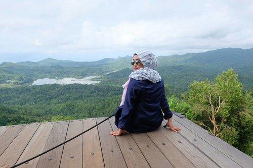 Don't look back in anger 😳#clozetteid #terfujilah #kalibirumemotret #kalibirukulonprogo #explorealamindonesia #lifestyleblogger #lifeofablogger #terfujilahnia #hijabtraveler