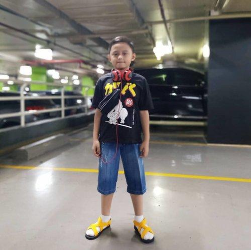 Gaya #kidsjamannow 😁#darelladhibrata #kidstyle #darelladhibrata #kidsofinstagram #kidshairstyles #kidsfashion #ootdkids #ootdkidsindo #clozetteid #bts #coolkids