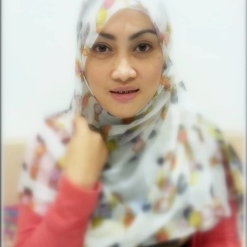 Assalammualaikum, selamat pagi dari alis nukik naik sebelah yang pernah ngetren dijamannya 😁🙌 #clozetteid #tuesdaymood #throwback🔙 #throwbacktuesday #closeupshot #andiyaniachmad #kalaitu