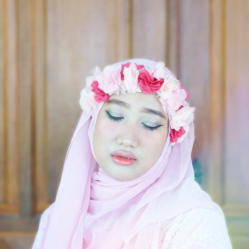 Forever #23 and blessed..#ClozetteID #FairyPink #FlowerHijab #FlowerCrown