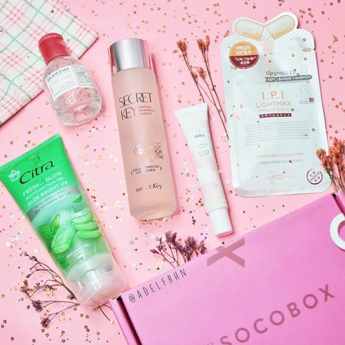 What's your favourite skincare in 2019? 🌻Tahun ini aku lagi suka kombinasi antara Toner, Essence, Serum, dan Face Mask. Kombinasi skincare itu bisa bikin kulitku jadi lebih kenyal dan pori-pori wajahku jadi lebih mengecil.Kalo versinya @sociolla ini nih #BESTOF2019 Skincare!• @bioderma_indonesia Sensibio H2O• @cantikcitra Fresh Glow Multifunction Gel Aloe Vera• @secretkey_idn Starting Treatment Essence Rose Edition• @raikubeauty Brightening Serum• @mediheal_idn I.P.I Lightmax Ampoule Mask ExUdah pernah coba yang mana? 🌼@beautyjournal #SOCOID #SOCOBOX #sociolla #clozetteid