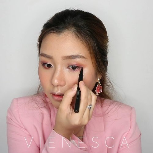 "<div class=""photoCaption"">You can never go wrong with a little pink. Here is mini pinky rosy tutorial for employees😂💞<br /> 🌸 @clinelleid whiten up brightening serum<br /> 🌸 @diormakeup star foundation<br /> 🌸 @pondsindonesia angel face powder<br /> 🌸 @makeoverid brow styler<br /> 🌸 @hm bronzer<br /> 🌸 @sanrio hello kitty blush on<br /> 🌸 @sleekmakeup highlighting palette<br /> 🌸 @altheakorea x @bclsinclair eyeshadow palette<br /> 🌸 @mizzucosmetics eyeliner<br /> 🌸 @toofaced better than sex mascara<br /> 🌸 @getthelookid loreal rouge magique lipstick<br /> 🌸 @innisfreeindonesia lip cream<br /> 🌸 @thebodyshopindo rose dewy glow<br /> .<br /> .<br /> .<br /> .<br /> .<br /> @cchannel_beauty @cchannel_id @inspirasi_cantikmu @bunnyneedsmakeup @ragam_kecantikan @100daysofmakeup @zonamakeup.id @tampilcantik @indobeautygram @indovidgram <br />  <a class=""pink-url"" target=""_blank"" href=""http://m.clozette.co.id/search/query?term=makeupideas&siteseach=Submit"">#makeupideas</a>  <a class=""pink-url"" target=""_blank"" href=""http://m.clozette.co.id/search/query?term=makeuplooks&siteseach=Submit"">#makeuplooks</a>  <a class=""pink-url"" target=""_blank"" href=""http://m.clozette.co.id/search/query?term=makeuptutorial&siteseach=Submit"">#makeuptutorial</a>  <a class=""pink-url"" target=""_blank"" href=""http://m.clozette.co.id/search/query?term=makeuptransformation&siteseach=Submit"">#makeuptransformation</a>  <a class=""pink-url"" target=""_blank"" href=""http://m.clozette.co.id/search/query?term=makeuptime&siteseach=Submit"">#makeuptime</a>  <a class=""pink-url"" target=""_blank"" href=""http://m.clozette.co.id/search/query?term=clozetteid&siteseach=Submit"">#clozetteid</a>  <a class=""pink-url"" target=""_blank"" href=""http://m.clozette.co.id/search/query?term=beautyvlogger&siteseach=Submit"">#beautyvlogger</a>  <a class=""pink-url"" target=""_blank"" href=""http://m.clozette.co.id/search/query?term=beautyvloggerindonesia&siteseach=Submit"">#beautyvloggerindonesia</a>  <a class=""pink-url"" target=""_blank"" href=""http://m.clozette.co.id/search/query?term=makeupremaja&siteseach=Submit"">#makeupremaja</a>  <a class=""pink-url"" target=""_blank"" href=""http://m.clozette.co.id/search/query?term=makeuppemula&siteseach=Submit"">#makeuppemula</a>  <a class=""pink-url"" target=""_blank"" href=""http://m.clozette.co.id/search/query?term=simplemakeup&siteseach=Submit"">#simplemakeup</a>  <a class=""pink-url"" target=""_blank"" href=""http://m.clozette.co.id/search/query?term=pinkmakeup&siteseach=Submit"">#pinkmakeup</a>  <a class=""pink-url"" target=""_blank"" href=""http://m.clozette.co.id/search/query?term=makeupkerja&siteseach=Submit"">#makeupkerja</a>  <a class=""pink-url"" target=""_blank"" href=""http://m.clozette.co.id/search/query?term=makeupkantor&siteseach=Submit"">#makeupkantor</a></div>"
