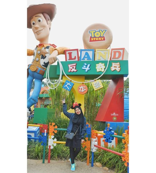 Belum bisa move on dari Toy Story 4 😂  #CellaHongKongTrip #CellaJalandanJajan #Travel #HongKong #HongKongTrip #Disneyland #DisneylandHongKong #ToyStory #Andy #Clozetteid
