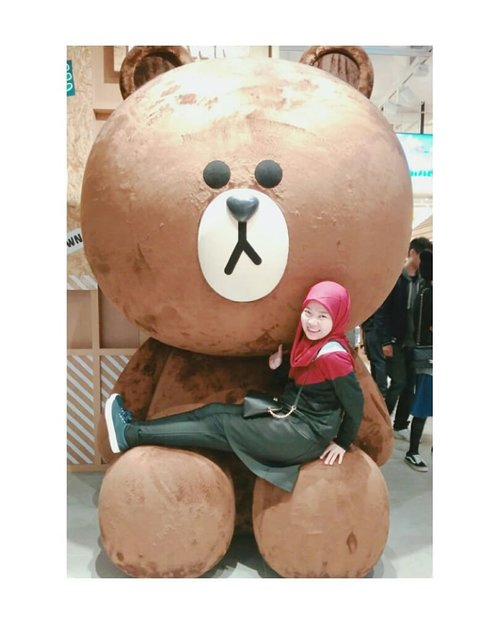 Brown 💟.#linefriend #linefriendhk #linefriendstore #hongkongtrip #explorehk #traveldiary #letsgosomewhere  #aroundtheworld #MCjalanjajan #MChongkongtrip #fashion #ootd #clozetteid