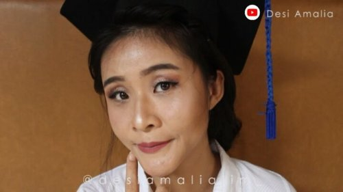New Video uploaded. Makeup Wisuda / Graduation. Please Click link on my bio for tutorial 😊😊 #indonesiavlogger #beautyvlogger #beautyenthusiast #monolideyes #tutorial #beauty #instabeauty #beautytutorial #beauty #vlogger #graduation #rahasiacantik #tipscantik #makeup #makeuptutorial #love #TFLers #ragam_kecantikan #photooftheday #graduationmakeup #amazing #smile #follow4follow #tampilcantik#makeupwisuda #look @indobeautygram @indovidgram @beautybloggerindonesia @tampilcantik @ragam_kecantikan #clozetteid