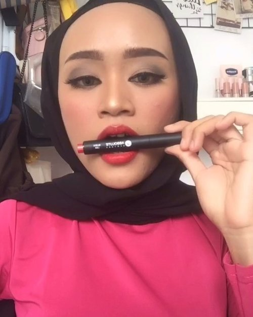Easy bold makeup look 💄 • PRODUCT MENTIONS :#thefaceshop - 01 mint#loreal - Infallible 312#jacquelle - blur effect foundation golden#absolutenewyork - lava...@indobeautysquad @bandungbeautyblogger @tampilcantik @tutorialmakeup_id @tutorialmakeup.idn #indobeautysquad #ibs #bdgbb #tampilcantik #tutorialmakeupnatural #tutorialmakeup #tipskecantikan #ragamkecantikan #clozetteid