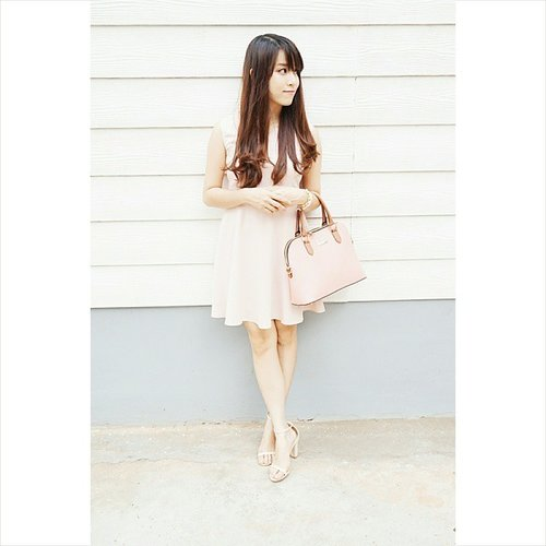 Loving my new Korean pink dress and bag from @ajella_korea . The quality is very good as they are imported directly from Korea and I like how soft the color is. Go check out their instagram to see the newest Korean fashion trend: @ajella_korea @ajella_korea @ajella_korea 👜👗😍😍😍 #clozetteid #clozette #ootdindo #ootd #rcendorse #endorse #sponsor #vscocam #vsco #potd #picoftheday #beautyblogger #followme