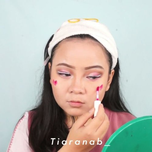 White Liner on #TiaranabTutorial 💕 kali ini pengen combo antara White Liner statement dengan cut crease, inspire by one of @sigmabeauty post 👀 Details @RevlonID Fondation Stick 220 & Concealer (kinda like the concealer stick) @NYXCosmetics_Indonesia White Eyeliner@ThesaemID Tip Concealer No.1@Maybelline Pencil Eyebrow in Brown@ShuUemura Black Eyeliner @riveracosmetics Pink Eyehdow @catrice.indonesia Sun Bronzer Powder @wardahbeauty Lip Tint in Pink@empire.dtd Lipcream in NY #wakeupandmakeup #undiscovered_muas #jakartabeautyblogger #indobeautygram #xmakeuptutsx  #makeuptutorialsx0x #allmodernmakeup  #discovervideos #bunnyneedsmakeup #ivgbeauty  #gengbvlog @bunnynnedsmakeup @bvlogger.id @jakartabeautyblogger @bloggermafia  @atomcarbonblogger @beautychannel.id #indobeautysquad #fdbeauty #clozetteID #BeautyChannelID