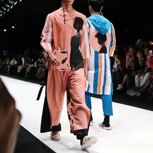 [Up on the blog]✨ My favorites collaboration on JFW2018 runway. Hands down, EPSON X Danjyo Hiyoji 😭👏👏. Find out more through post on my blog , just click the link on my bio 😉. . . . #JFW2018 #jakartafashionweek #akuJFWblogger #JFWofficialblogger