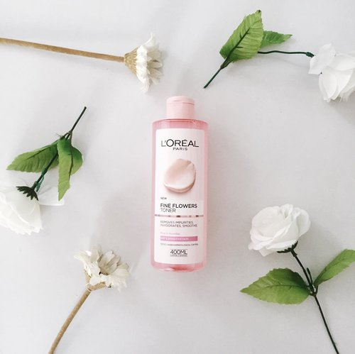 "<div class=""photoCaption"">This lovely @lorealskin care is very very loveable! It smells sexy and pretty feminine.check my skincare highlight 👆🏻to know more about this loreal fine flowers line 🌸🌸🌸 • psst none sell this product in indonesia, and to be the curious skincare lover I always find a way to get the one I wanted. so this time i put a request on @airfrov_id and one kind traveler brought this straight from england. yay!</div>"