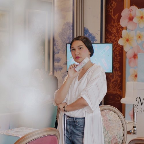 Nurish Organic is halal and natural skincare from Malaysia has arrived and launched in Indonesia. @nurishorganiq_id- This Brightening series is available to grab on nearest Guardian store. Im going to try this out! x-#NurishOrganiqID #RadiateYourTrueNature#NurishOrganiqIDxClozetteID #ClozetteID📷: @windanasari