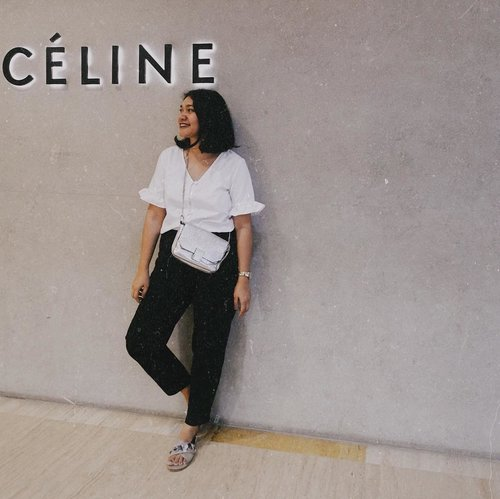"People always misspelled my name, especially on the phone when I make reservation they usually catch ""Lini, Or Serini"" oh Why!  So I usually goes with my sister name which is easier or my husband name nowadays. But occasionally I use Celine. Because why not? Easy. 😆 —  Top: @berrybenka  Pants: @x_sml  Sandal: @pvra.official  Bag: @zara . . . . . . #clozetteid #ggrep #celliswearing #wiw #outfitoftheday"