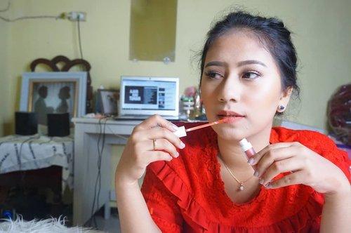 Hai, aku mau rekomendasikan lip matte yang ringan dan warnanya sangat cocok dipakai untuk daily.Formula nya yang bener bener ringan dan ada sensasi aroma mint, bikin tampilan jadi lebih seger #aleysia #Lipmatte #ClozetteID