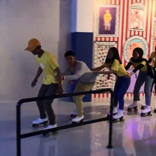 #SpotToVisit This Weekend#RoJabyMoJa roller skating rink by @mojamuseum, Jl. Metro Pondok Indah Blok Tb No.27, Jakarta..Yuk tag teman yang mau kamu ajak ke sini..📷 mojamuseum#ClozetteID #abouttolucid
