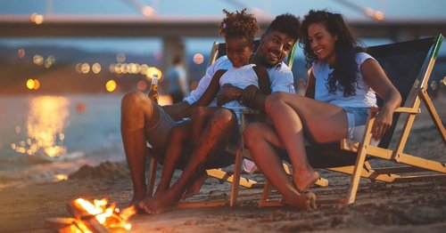 20 Summer Night Activities For Families That Will Make Kids' Freedom Feel Even More Magical