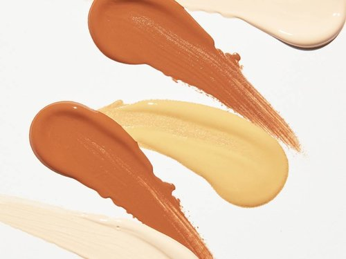Concealer or Foundation: What Comes First?