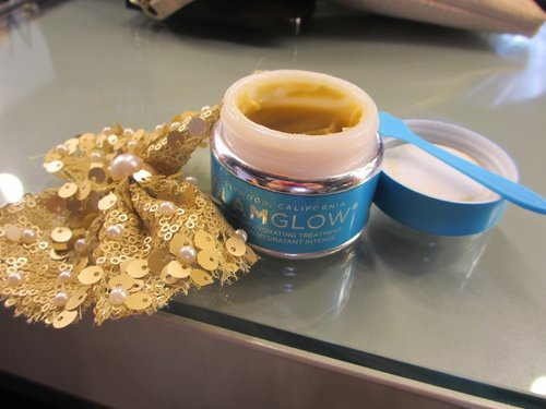 GlamGlow ThirstyMud mask!   Read my full review about TM and launching event report on my blog  http://theresiajuanita.blogspot.com/2014/07/glam-glow-... Read more →