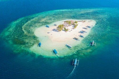 Gili Kendis, Pulau Mungil dengan Keindahan yang Mempesona