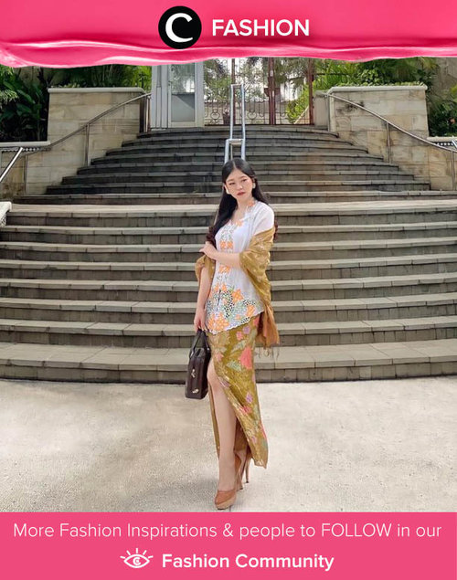 A woman shines differently while wearing kebaya. Image shared by Clozetter @ghinaaulia. Simak Fashion Update ala clozetters lainnya hari ini di Fashion Community. Yuk, share outfit favorit kamu bersama Clozette.