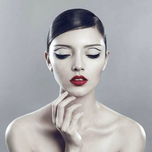 Dengan beauty essentials ini, dijamin kamu tetap cantik saat musim hujan! bit.ly/rainybeauty  #ClozetteID #beauty #makeup #skincare #health #lifestyle #MOTD #makeupoftheday #instabeauty #girls #beautytips #skin #brush #eyelashes #powder #bbcream #foundation #mascara #girlstuff #girlsessential #lipbalm #facecream #flatlay #makeupflatlay
