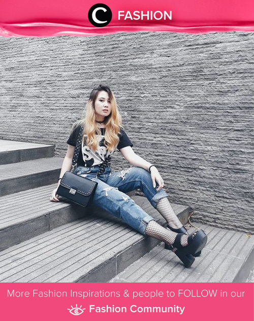 Just wearing something casual: black t-shirt and ripped jeans. Simak Fashion Updates ala clozetters lainnya hari ini di Fashion Community. Image shared by Clozetter: @michellageorgia. Yuk, share gaya andalan kamu bersama Clozette.