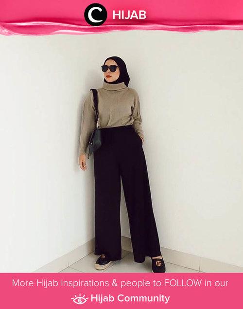 Looks like Clozette Ambassador @fazkyazalicka was already in holiday mood. Well, aren't we all? Simak inspirasi gaya Hijab dari para Clozetters hari ini di Hijab Community. Yuk, share juga gaya hijab andalan kamu.