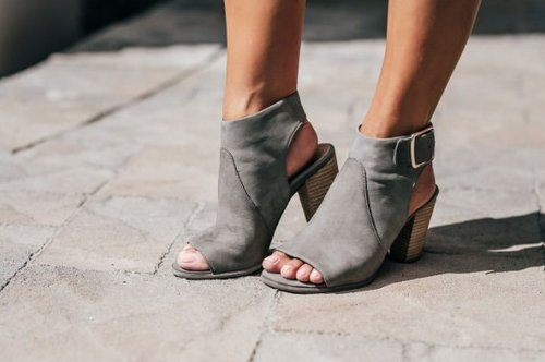 These seriously stylish shoes have a secret — they were designed by podiatrists