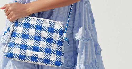 """<div class=""""photoCaption"""">These 17 Stylish Crossbody Bags Are Perfect For Traveling This Summer</div>"""