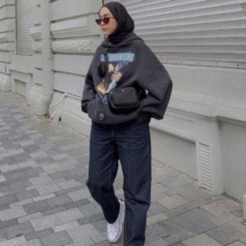 3 Mix and Match Outfit Hijab dengan Gaya Boyish