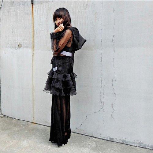 Fade to black... #ootd @itsjeremyscott for @adidasoriginals dress #FashionBlogger #StreetStyle #Black #JeremyScott #AdidasOriginals #adidas #clozettei... Read more →