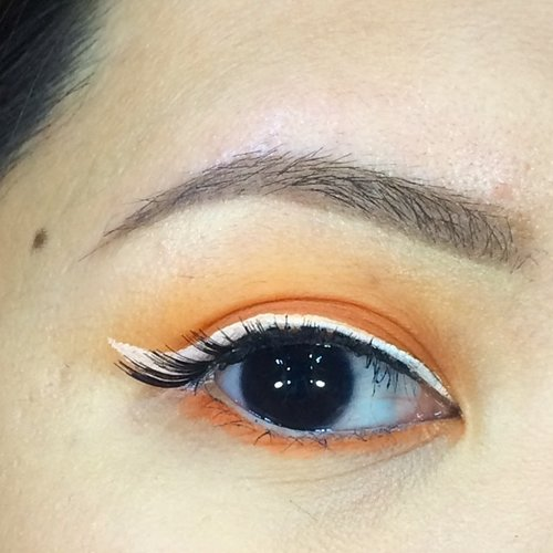 Tonight's tutorial! My 2nd installment on the world's cup series! Go, Oranje! #clozetteid #kireimakeup #netherlands #fifa #worldcup2014 #makeup #eotd #orange #eyeshadow #makeupartist #makeupjunkie #makeupaddict #beautyblog #beautyblogger #indonesianmua #indonesianblogger #white #eyeliner #anastasiabeverlyhills #vegas_nay