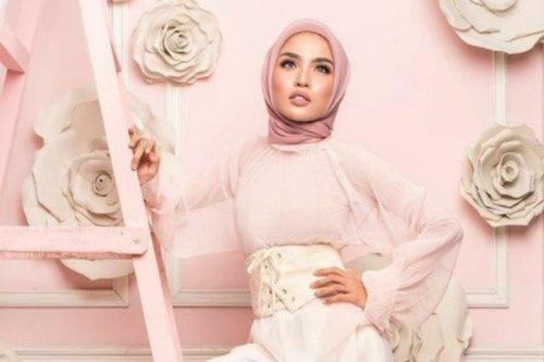 Intip Bocoran Tren Busana Hijab 2018 Ala Medina Zein