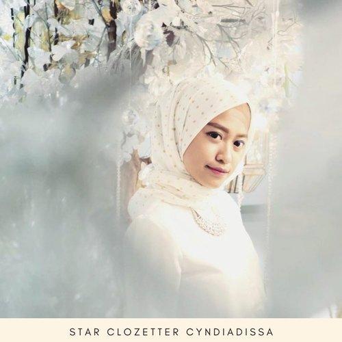 Saat hijab polos sudah mulai terasa membosankan, yuk coba bergaya playful dengan hijab motif! Intip inspirasi hijab motif ala Clozetters melalui video berikut #ClozetteID #ClozetteIDVideo