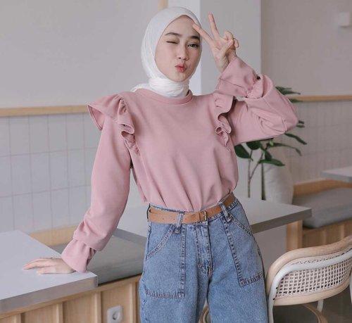 Inspirasi Ruffle Top Kekinian dari Para Selebgram Hijab yang Bisa Kamu Tiru Girls