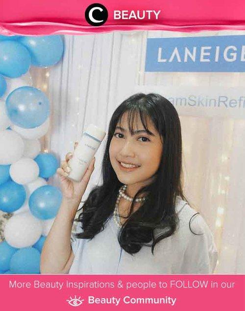 Yay, Laneige Cream Skin Refiner sudah rilis di Indonesia sejak tanggal 7 Agustus 2019 lalu! Bertekstur cair, toner ini merupakan cream yang dilelehkan dan ampuh untuk mengunci hidrasi pada kulit. Psst.. Produk ini juga bisa jadi pilihan untuk kamu yang malas memakai banyak skincare step. Image shared by Clozette Crew @vienarissanty. Simak Beauty Update ala clozetters lainnya hari ini di Beauty Community. Yuk, share juga beauty product favoritmu bersama Clozette.