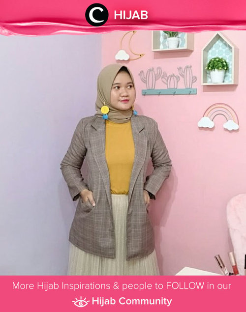 Yellow + mustard in earthy tone dominated outfit? Totally a yes from us! Simak inspirasi gaya Hijab dari para Clozetters hari ini di Hijab Community. Image shared by Clozetter @revanisanabella. Yuk, share juga gaya hijab andalan kamu.