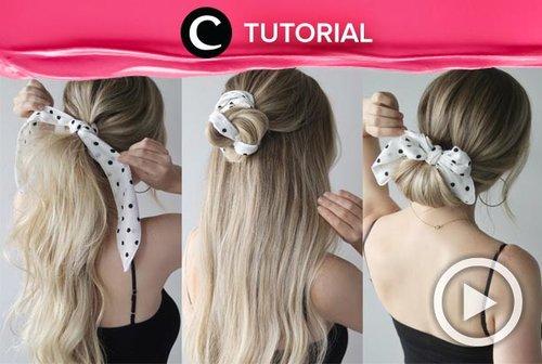 Untuk tampil lebih feminin, kamu bisa menyematkan scarf pada haid do-mu. Intip tutorialnya di: http://bit.ly/2CwW9nG. Video ini di-share kembali oleh Clozetter @saniaalatas. Lihat juga tutorial lainnya di Tutorial Section.