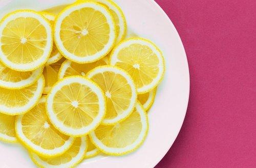 Cara Membersihkan Komedo Secara Alami dengan Garam dan Lemon