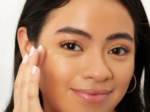 Long-Wear Makeup That'll Keep You Looking Fresh, Even Through a Marathon of Video Chats