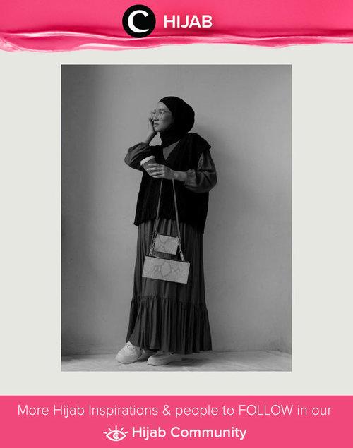 Vest styling ala Clozette Ambassador @karinaorin. We love the edgy vibe! Simak inspirasi gaya Hijab dari para Clozetters hari ini di Hijab Community. Yuk, share juga gaya hijab andalan kamu.