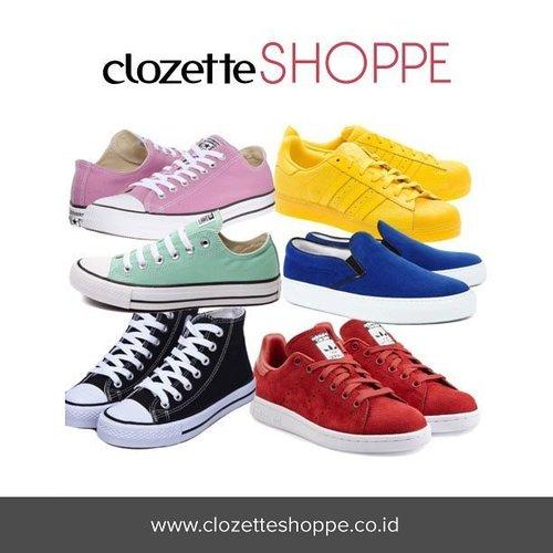 """I do feel pretty sexy in a pair of Converse.""-Kristen Stewart. Buat kamu yang tidak menyukai heels, sneakers bisa jadi andalanmu untuk tetap gaya, sporty, dan terlihat cool. Cek koleksi must love sneakers di #ClozetteSHOPPE sambil baca tips padu padan yang sesuai dengan gayamu. http://bit.ly/mustlovesneakers . . . #sneakers #converse #shoes #ClozetteID #jualsneakers #sneakersaddict #sneakersforsale"