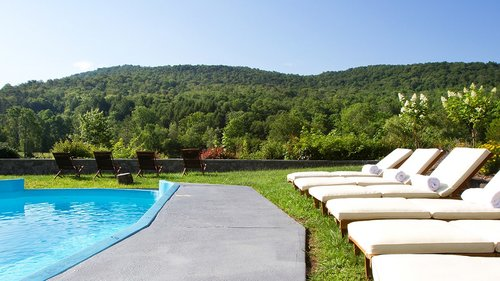 These Are the Best Hotel Pools in Upstate New York