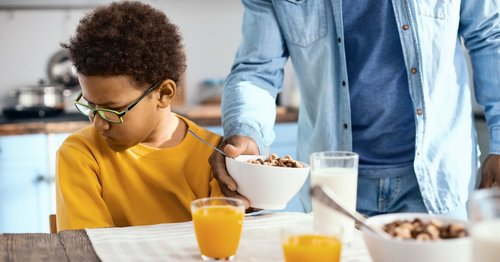 5 Doctor-Approved Tips For Feeding Picky Eaters During Distance Learning