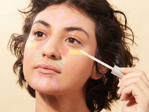 How to Use Color Correcting Concealer — And Which One Is Right For You