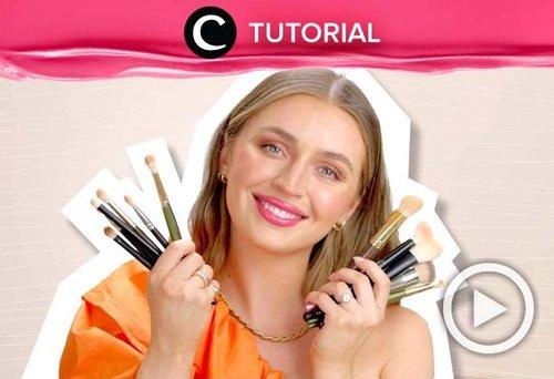 Calling all makeup enthusiast! Ini dia must-have makeup brushes untuk membuat hasil riasanmu lebih paripurna: https://bit.ly/2TDionI. Video ini di-share kembali oleh Clozetter @zahirazahra. Lihat juga tutorial lainnya di Tutorial Section.