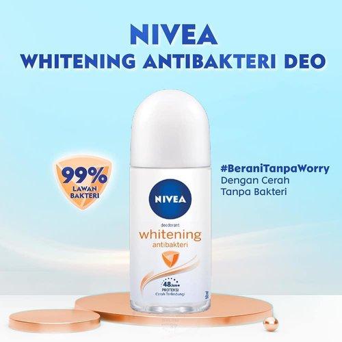 Siapa aja nih yang kemarin sudah daftar dan dapat @nivea_id Whitening Antibakteri Deo?? Bagi kalian yang beruntung mendapatkan produknya, kamu tinggal selangkah lagi untuk memenangkan hadiah total Rp1.000.000! . Caranya: 1. Foto dengan NIVEA Whitening Antibakteri Deo, post di Instagram Feed dan tulis reviewnya di bagian caption. 2. Sertakan juga hashtag #NIVEADeoxClozetteID dan #BeraniTanpaWorry di bagian caption, ya. . 4 review terbaik yang akan berkesempatan memenangkan hadiah senilai: - Rp750.000 untuk 2 orang pemenang utama - Rp250.000 untuk 2 orang pemenang hiburan . Submit foto kamu paling lambat 31 Mei 2020, ya. Good luck! . #ClozetteID