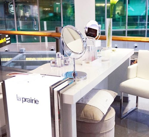 Throwback to last treatment from @laprairie at Shilla Beauty Loft @shilladutyfreesg Terminal 3 Changi Airport Singapore. Hope we can get the treatment once again! Kalian juga bisa merasakan treatment ini hingga 31 Desember 2016, lho.#ClozetteID #shilladutyfreesg #ShillaBeautyLoft