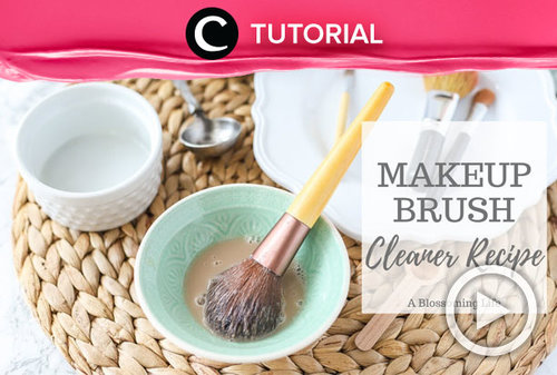 Make your own brush cleaner at home! Here's the recipe: https://bit.ly/2FxBEMS. Video ini di-share kembali oleh Clozetter @aquagurl. Lihat juga tutorial lainnya yang ada di Tutorial Section.