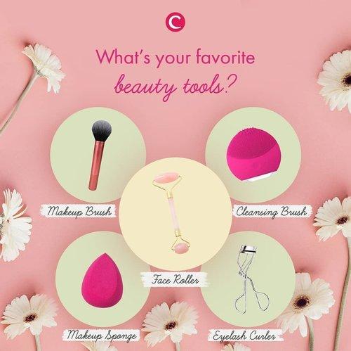 Tahu kah kamu kalau beauty tools itu banyak jenis dan variasinya, lho, Clozetters! Nggak hanya makeup brush dan makeup sponge yang bisa dibilang paling familiar dengan rutinitas ber-makeup kita pada umumnya. Ada juga face roller, cleansing brush, sampai eyelash curler. Kalau kamu, apa beauty tools kesukaanmu? Tulis di kolom komentar, ya! #ClozetteID #ClozetteIDTriviaQuiz