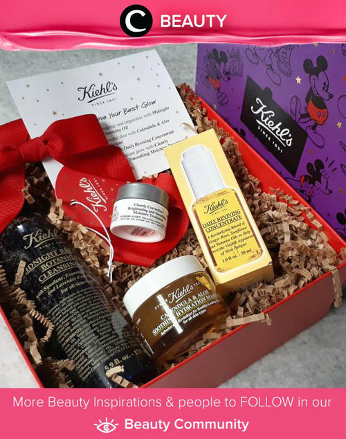 Whoa Clozetter @theribbonreviews shared her Glow Getters set from Kiehl's! This cute Mickey Mouse package edition consists of : Midnight Recovery Botanical Cleansing Oil, Clearly Corrective Brightening and Smoothing Moisture Treatment that contains AHA for peeling, Calendula & Aloe Soothing Hydration Masque, and Daily Reviving Concentrate for morning face oil. Ugh *drools*. Simak Beauty Update ala clozetters lainnya hari ini di Beauty Community. Yuk, share juga beauty product favorit kamu bersama Clozette.